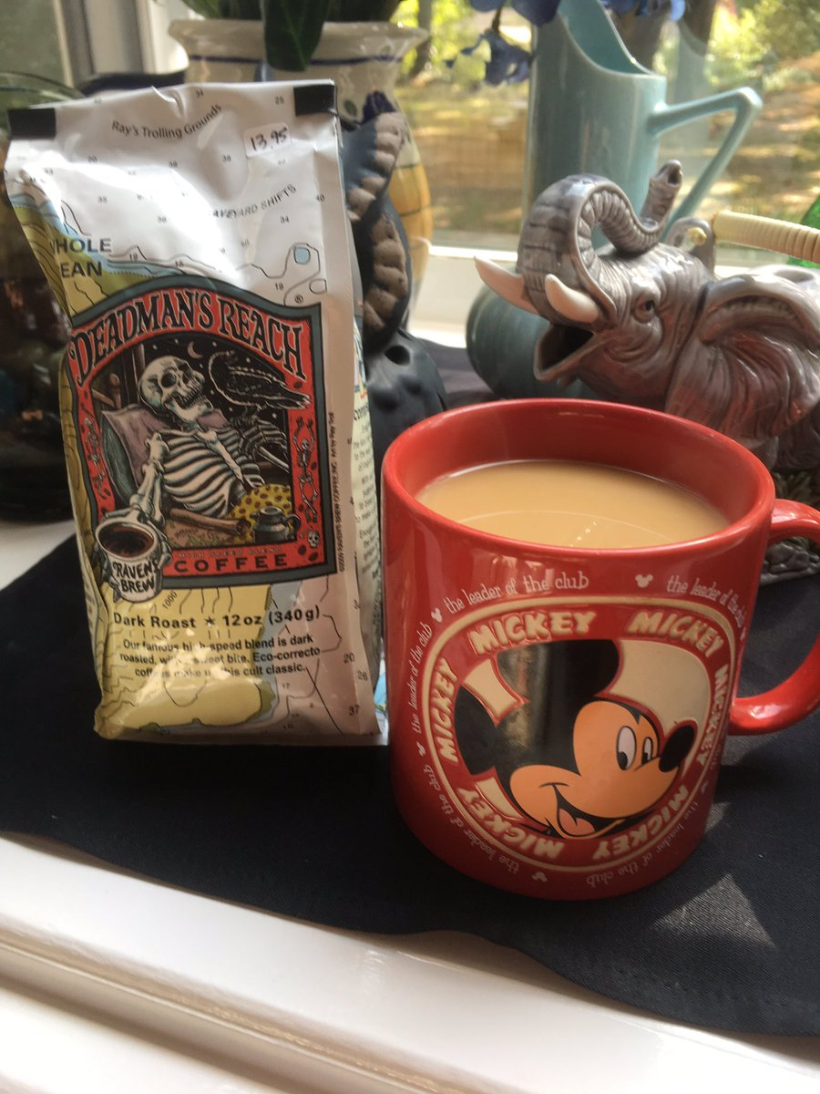 Brewing #DeadmansReach from @RavensBrew straight from Ketchikan, AK!!! #coffee #coffeelovers #coffeeholic<br>http://pic.twitter.com/pTpjLt0Aow