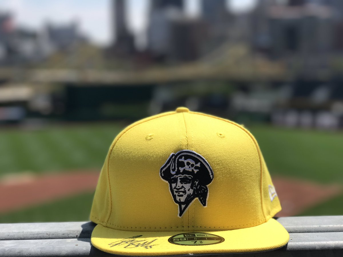 RETWEET THIS now for a chance to win one of our #PlayersWeekend hats SIGNED by Josh Bell! https://t.co/UFqZilwFWj