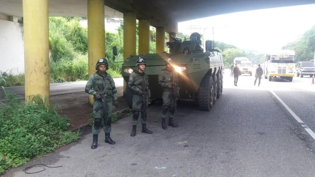 Armed Forces of Venezuela Photos - Page 5 DIQQVorXoAA45ok