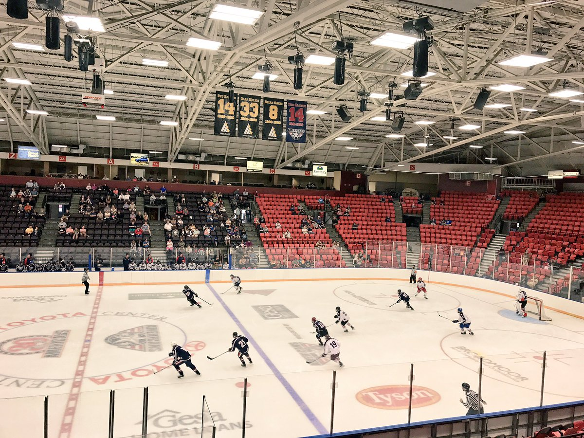 We out here! @Olson_19 puts it in for Team Blue to go up over White 4-3 @TCAmericans #scrimmagesundays