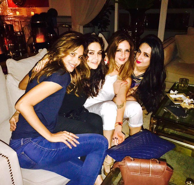 Best way to brighten my evening is to hang with these lovely ladies 😘 #aboutlastnight Happy Birthday @NehaDhupia #friendsforever  Muaah😘 https://t.co/FK37hJl6uF