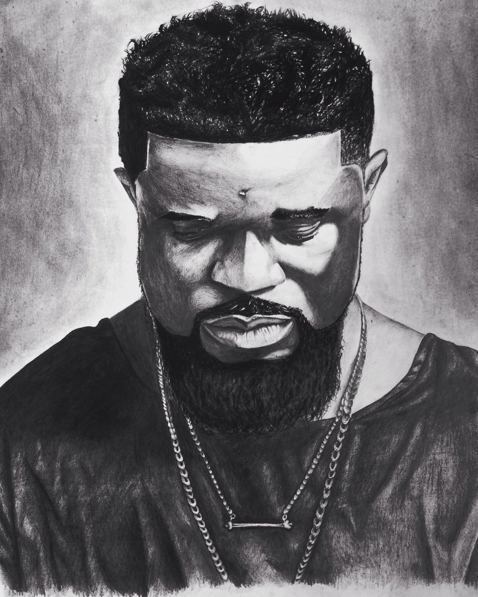 Pictures of sarkodie draw with pencil under town