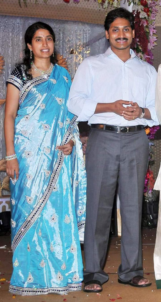 Manvitha Chinnu On Twitter Happy Wedding Anniversary Anna And