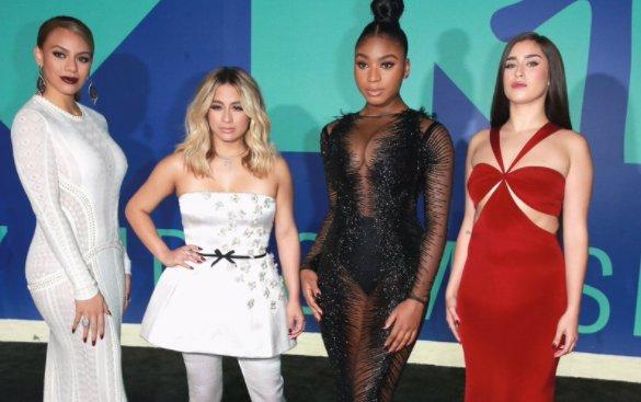 Aaaaah, clipe pop do ano foi pro Fifth Harmony! #down  #vmas