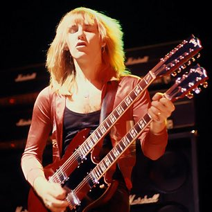 Happy birthday to the greatest underrated guitarist of all time! Alex Lifeson!!