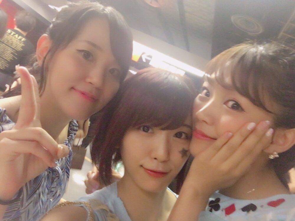 アニサマオフショット♪バディファイト女子メンツ!燃えろバディファーーーイ!!#anisama pic.twitter.com/Kl02o5z0Da