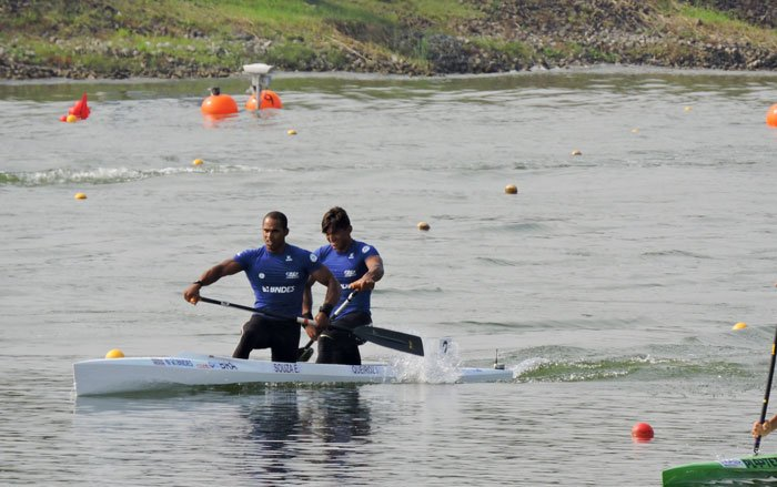 Isaquias e Erlon encerram Mundial de canoagem com 4º lugar: https://t.co/yQasRkuNbo  🚣