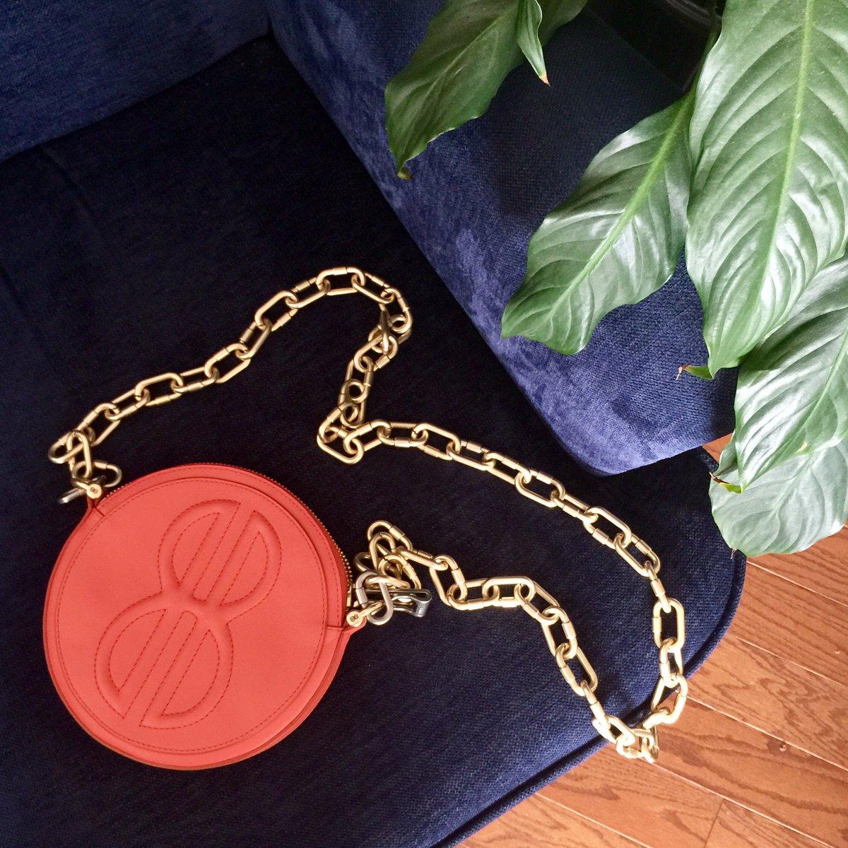 BB Large cirlce bags are the perfect evening bags with modern street edge.#billblass #blassme #redbags #handbags #circlebags #red #shopping https://t.co/47xtLvC3BN