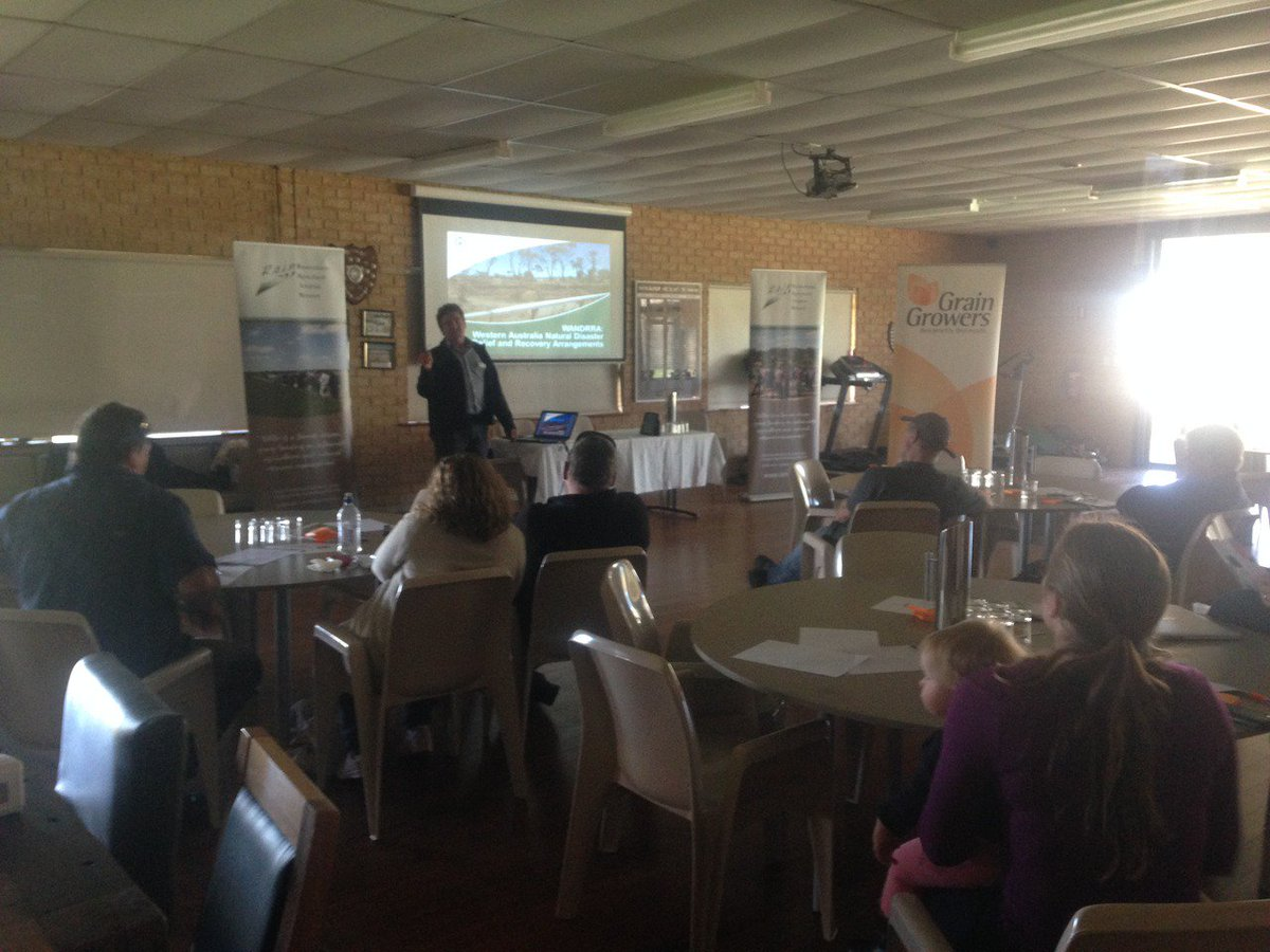 Our John Simons giving an update on WANDRRA funding at R.A.I.N. #Munglinup Roadshow to Recovery forum https://t.co/iCeAtpPOwP