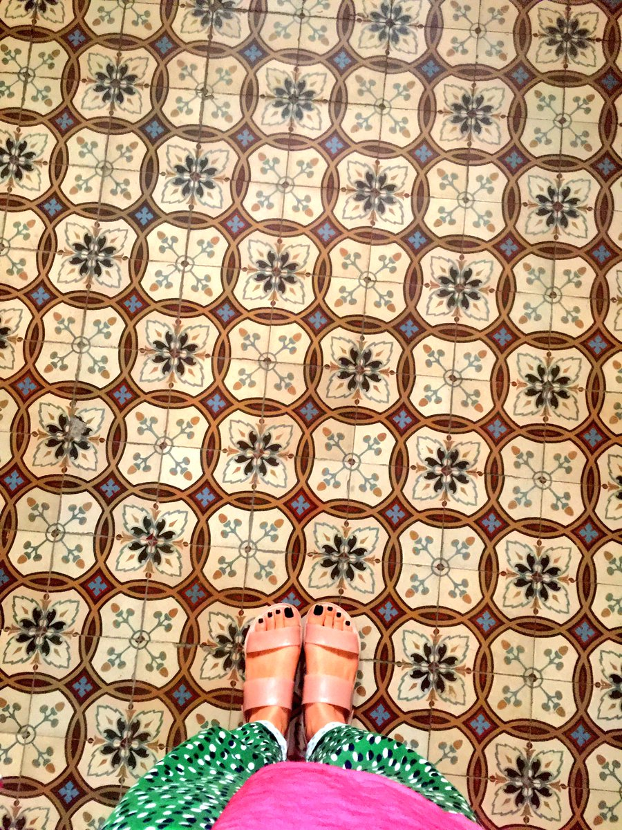 Floors of #Wienna   In love with   #travel  #daniukoloru  #svrbekoferipic.twitter.com/NTD2HoIsiJ