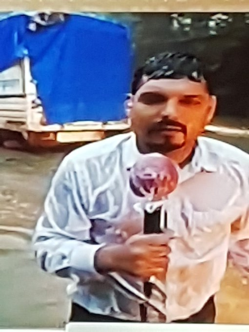 And Poor Ndtv can't afford rain wear for their journalists .... he has been at it for 3 hours now .. https://t.co/PpbXc6onOq