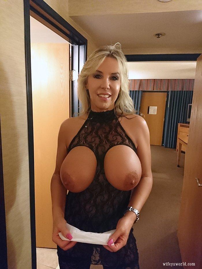Wifeys World Tit Fuck 25