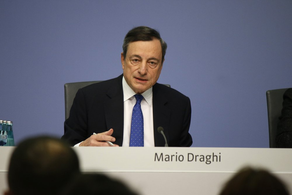 Le marché à tranché : Mario #Draghi aurait donné son feu vert à la hausse de l'#Euro à #JacksonHole par Philippe Béchade @pittbull_grrr