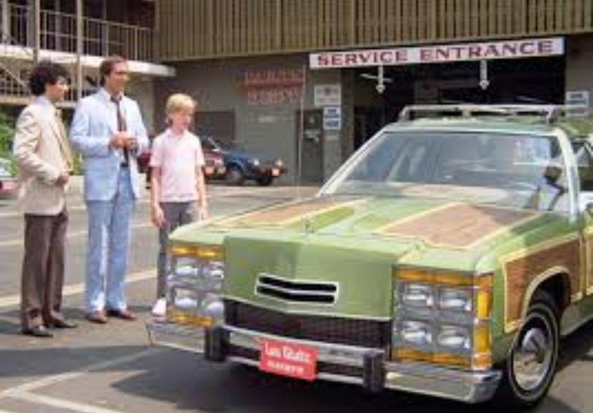#MyParentsDidButIWouldnt drive a station wagon https://t.co/BAa2Tl9CIP