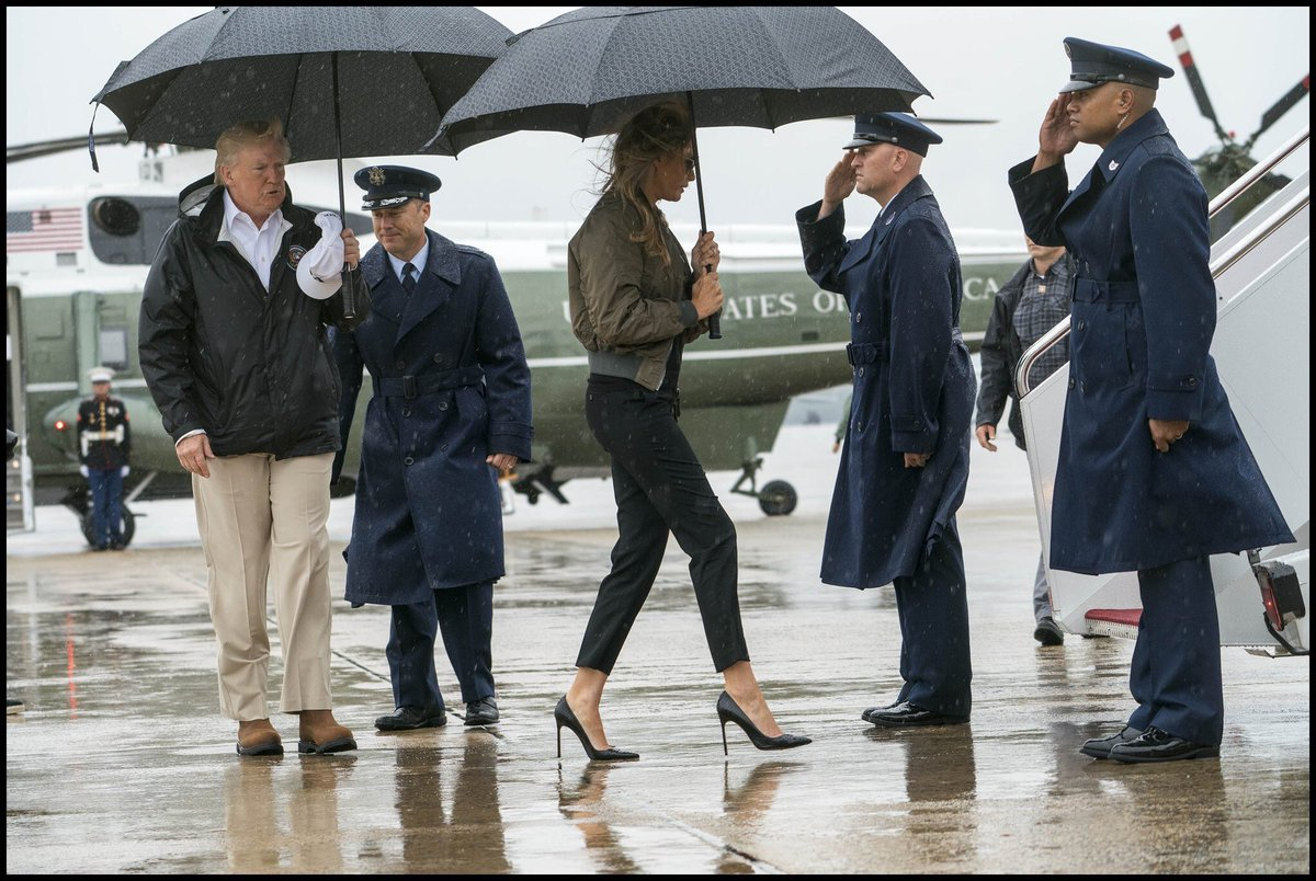 Melania Trump en route to Texas. Always great to visit people going through hell in your favourite Louboutins.