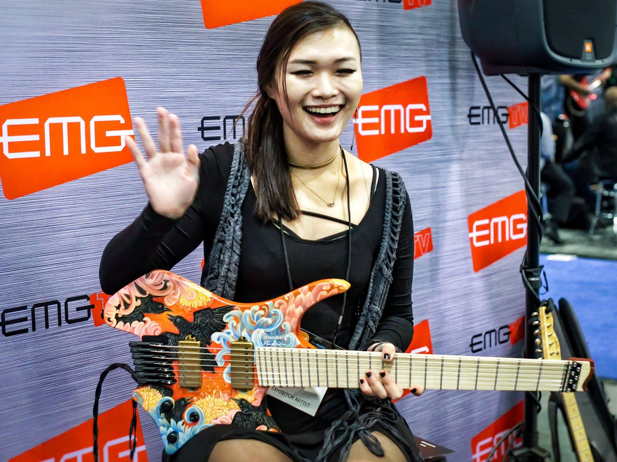 Zeraram a brincadeira - Strandberg fanned true temperament headless guitar DI_FBEFXgAAfp3N?format=jpg&name=large