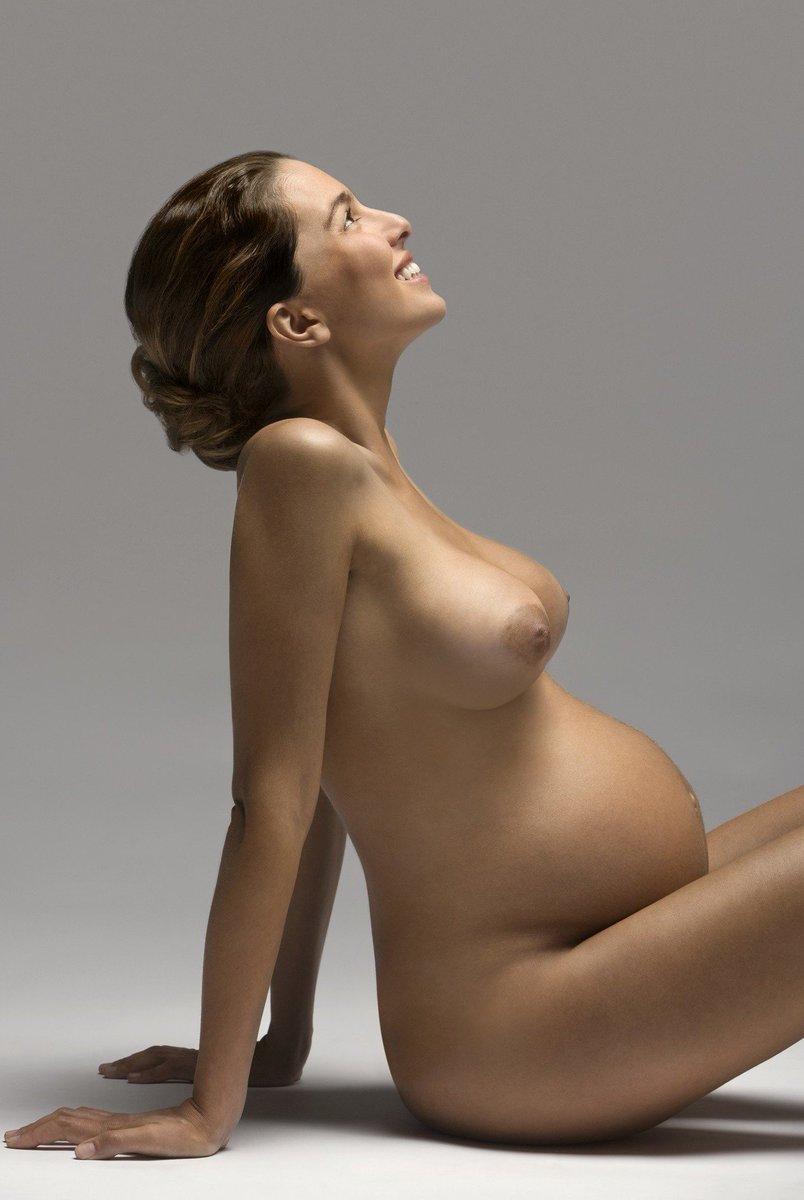 preggo nude