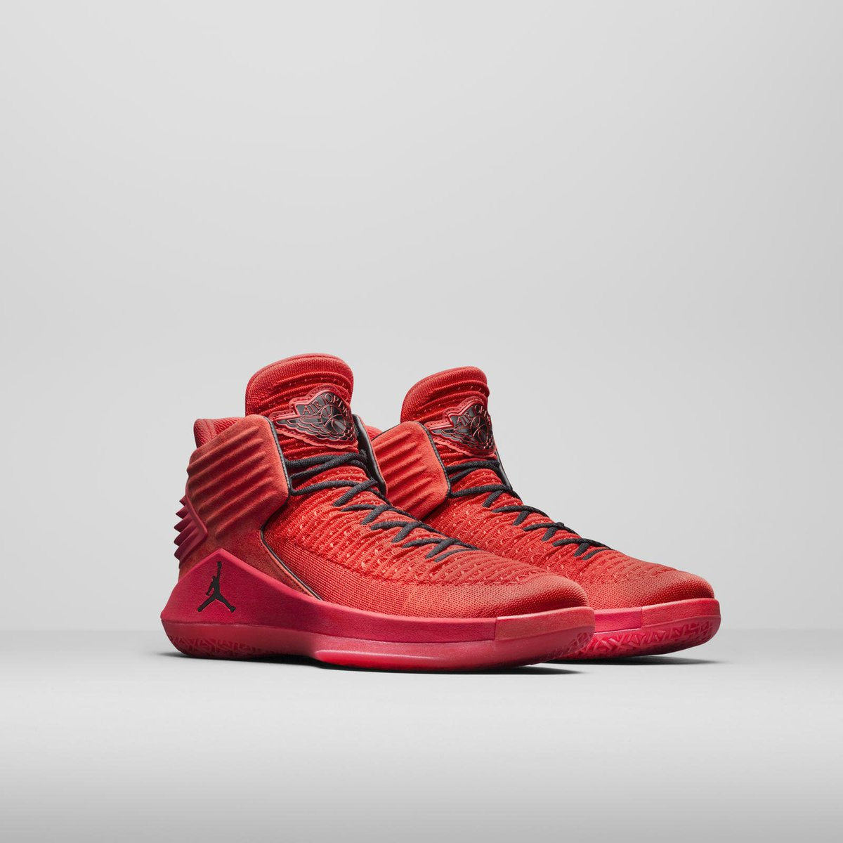 7ec90cb24c88 AIR JORDAN XXXII IS LIVE. Colorways and releases  Rosso Corsa  Sept. 23  Bred Bred Low  Oct. 18 More  https   news.nike.com news air-jordan-32   FB …