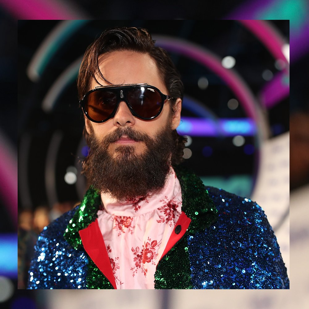 a81fa1a2d1 jared leto shining in carrera flag at the 2017 mtv video music awards