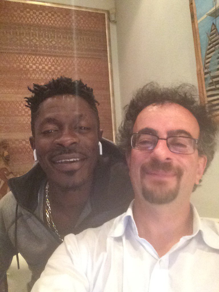 You'll never guess who's round at my house - and I'm about to take him to my local pub?   Only @shattawalegh !!! https://t.co/LrrZc3nTN8