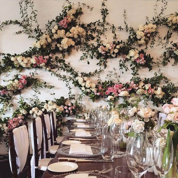 20 jaw-dropping flower walls that are proof that there's #NoSuchThingAsTooManyFlowers https://t.co/BcsuPjKbb5 https://t.co/q3kitjWlUY