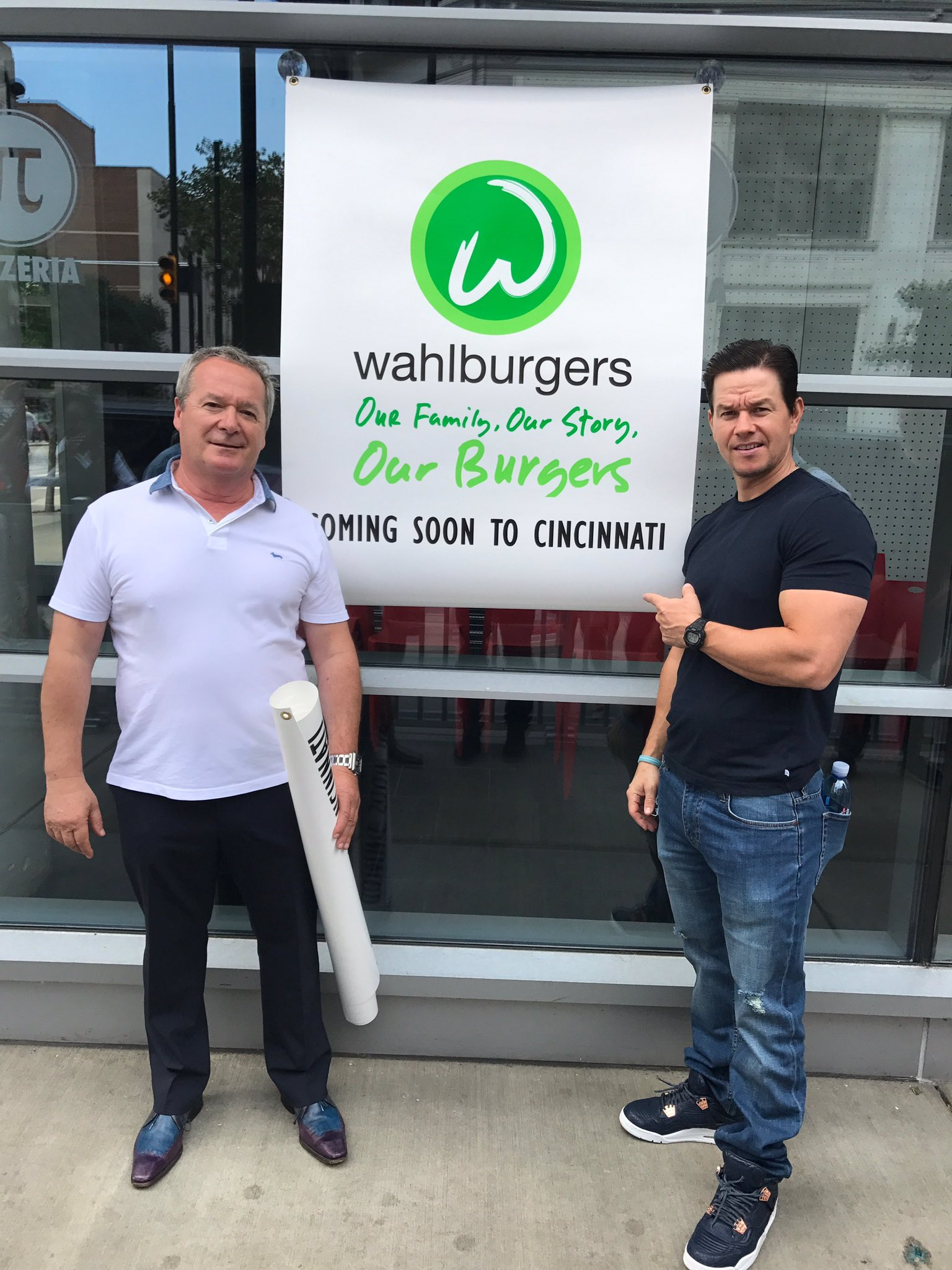Get ready, Cincinnati! ���� #Wahlburgers https://t.co/zl8HBgS9Ez