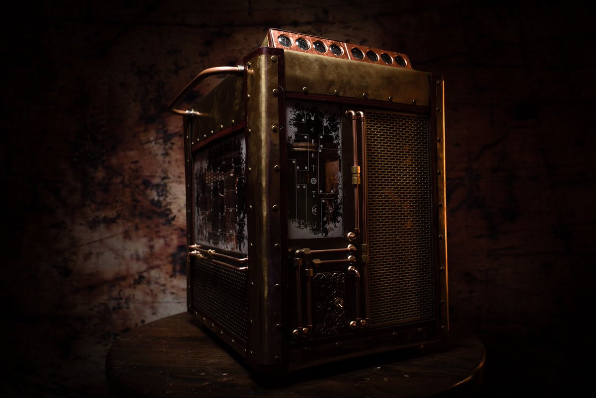 #Geek Awesome of the Day: #Steampunk-ish Brass #Computer with External Pipes made by @senpai_studios #SamaGeek