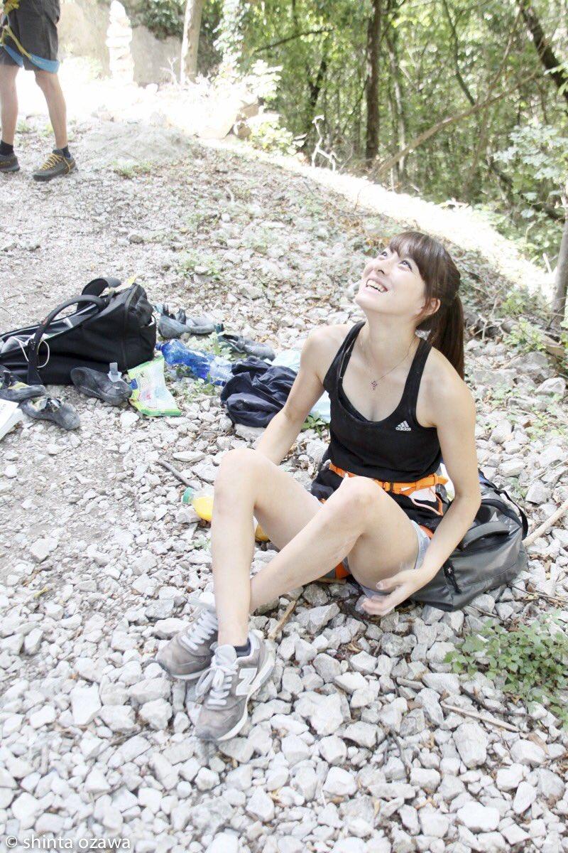 """大田 理裟 on Twitter: """"イタリア🇮🇹 大会終わって毎日違うエリアに岩登りに行って楽しみました😝💜💙💚 そのへんにいくらでも岩がある環境、羨ましいなぁ...⛰🍃… """""""