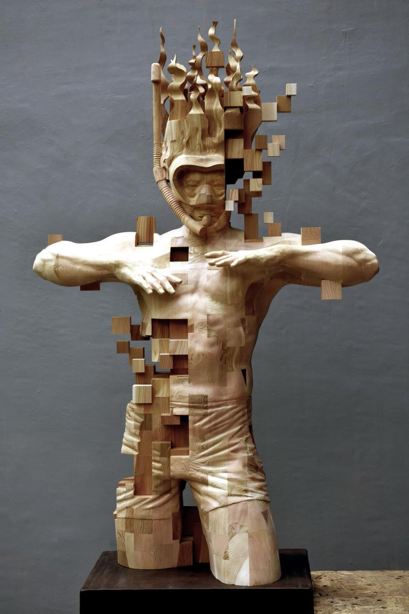 Glitch Wood Carving: Pixelated Snorkeler by Hsu Tung Han https://t.co/df679C3qgA https://t.co/GtKQmIm3wr