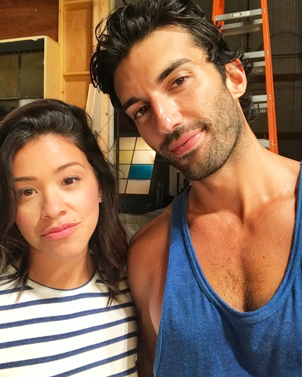 We. Are. Back. Get ready for #season4 friends ... it's going to be a wild wild ride. #janethevirgin @HereIsGina https://t.co/6LAct3JIOv