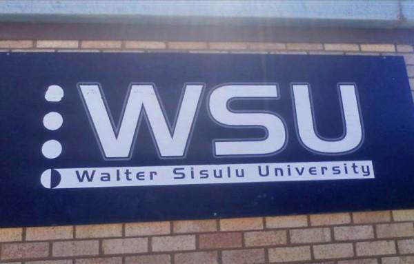 eNCA | University mistakenly deposits R14m into student's account #NSFAS https://t.co/Tx3rQvNHaC