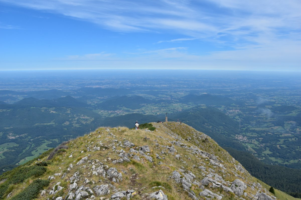 The views N from the summit of the Pic de Cagire (1912m), French Pyrenees, 13. August 2017 #picdecagire #pyrenees #hautegaronne #aspet<br>http://pic.twitter.com/BiXKywFo30