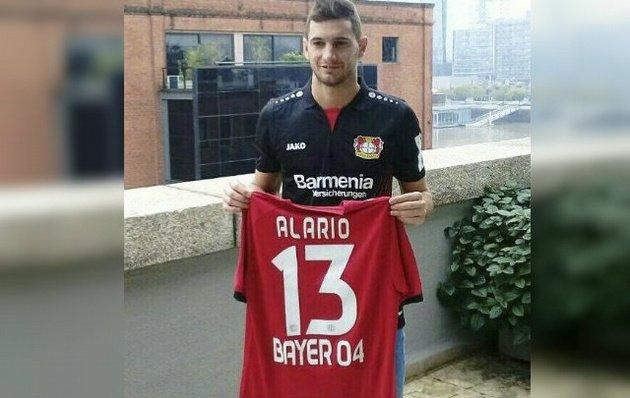Alario firmó su contrato por cinco años con el Leverkusen