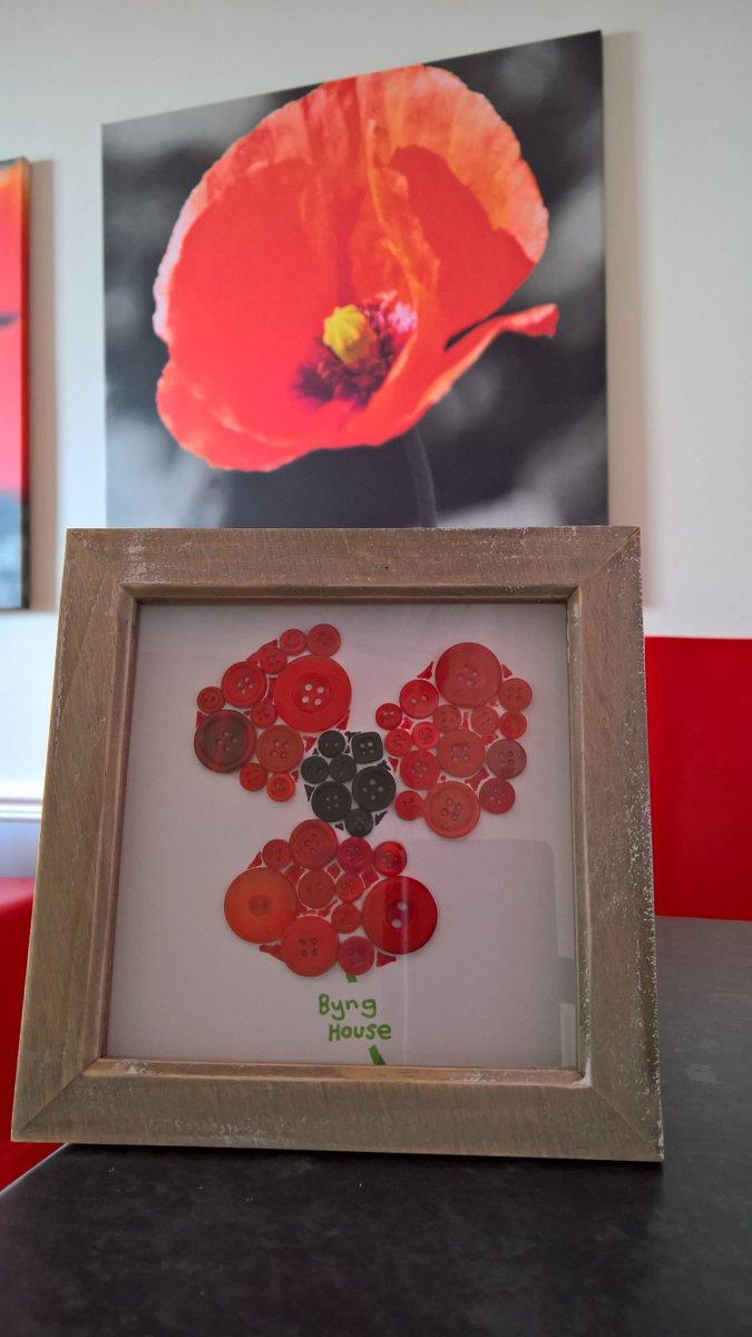New craft at Byng House #feelingcrafty #crafternoon #bynghouse #royalbritishlegion #poppybreak #poppyappeal #buttoncraft #craft #poppy #rbl<br>http://pic.twitter.com/HQlzogsMAY