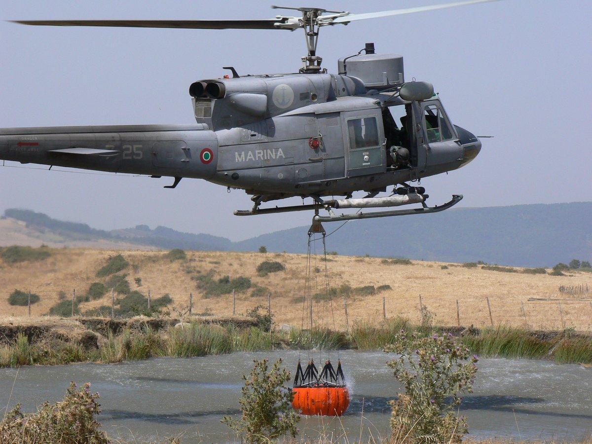 Elicottero 212 : Un elicottero della marina militare è intervenuto per un incendio