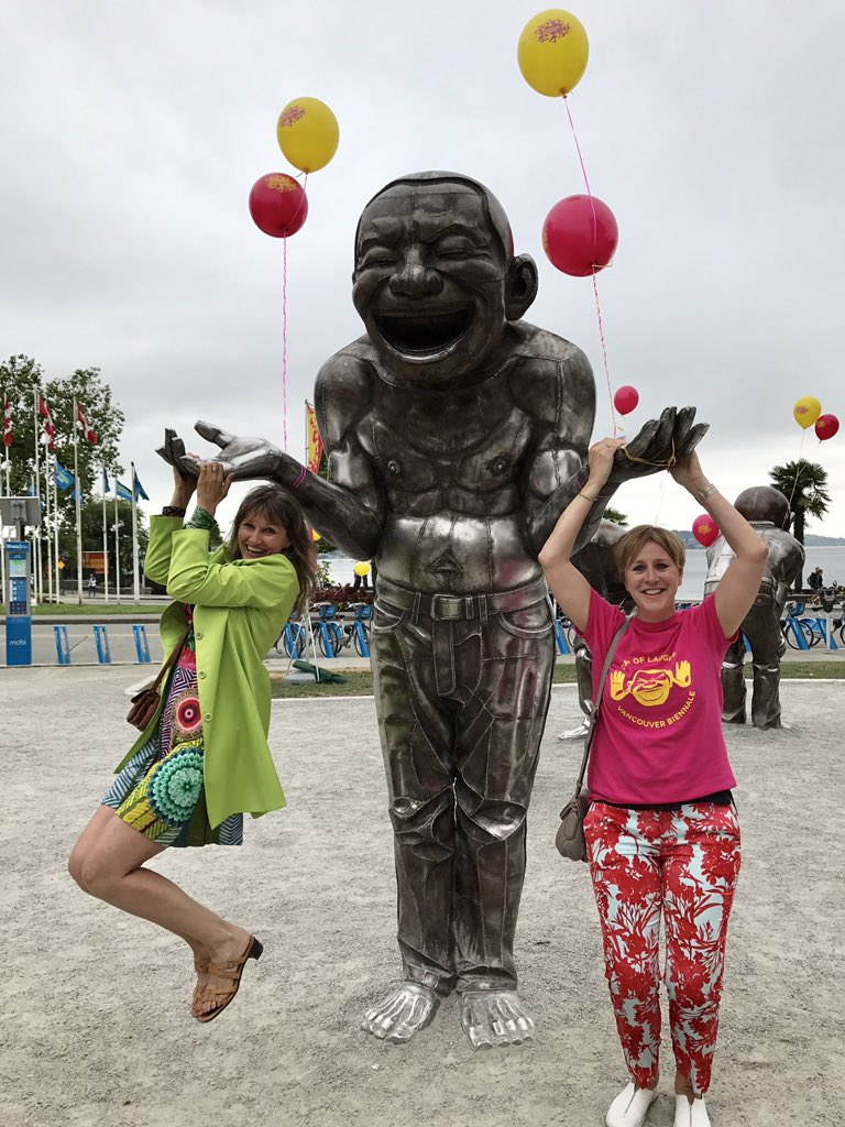 A favourite pic from #VBDayofLaughter! #Publicart that engages 500%! The @Van_Biennale&#39;s of #AmazeingLaughter has generated #cityofsmiles!<br>http://pic.twitter.com/JFzAgp7H5v