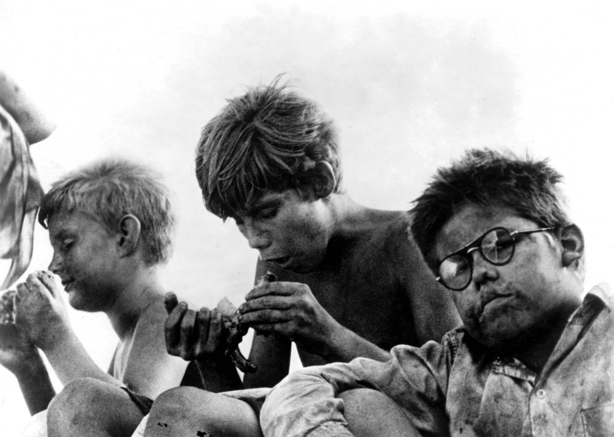 Author William Golding himself has said #LordoftheFlies focused on only boys, and not only girls, for two reasons https://t.co/pdy9WkTug4
