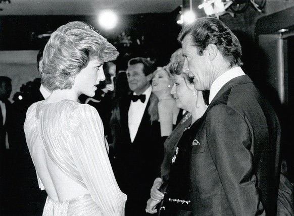 #PrincessDiana meets Sir #RogerMoore, #PatrickMacnee &amp; #DuranDuran for the Royal Premiere of #AViewToAKill. #Diana20 #RIPPrincessDiana<br>http://pic.twitter.com/wDh1DChlCl