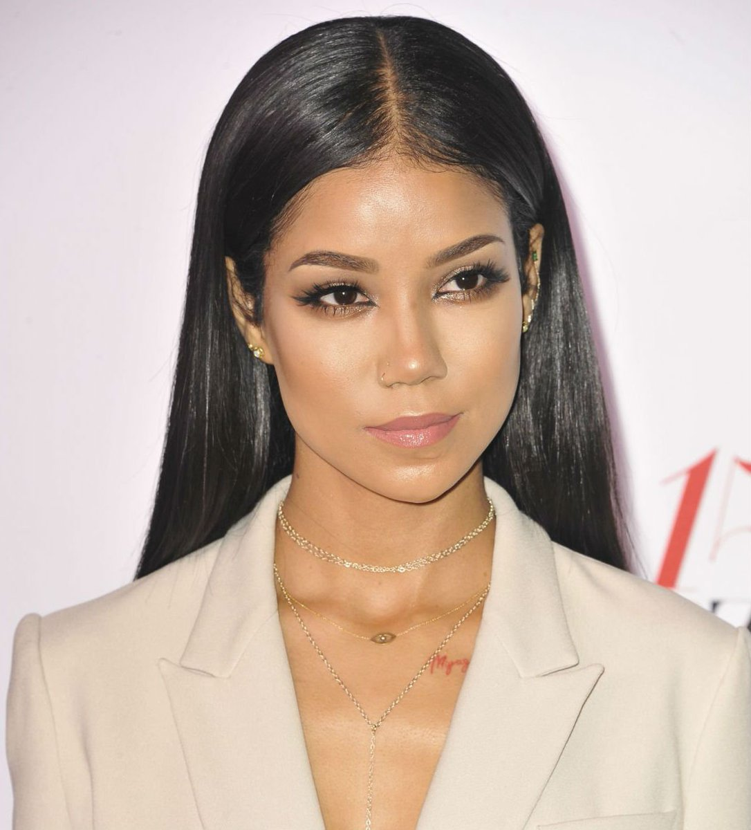 .@JheneAiko has a new album on the way (and i'm beyond excited!): https://t.co/GNPmLf6g91 https://t.co/jVku7G66Kf