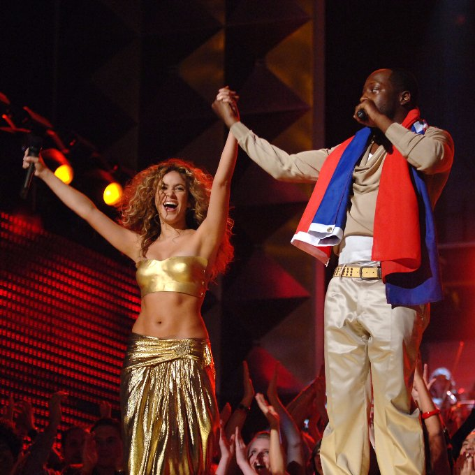 """.@Shakira took the GRAMMY stage for the first time at the 49th #GRAMMYs in 2007 with @Wyclef to perform """"Hips Don't Lie."""" #GRAMMYVault <br>http://pic.twitter.com/p5ah8GCjdP"""