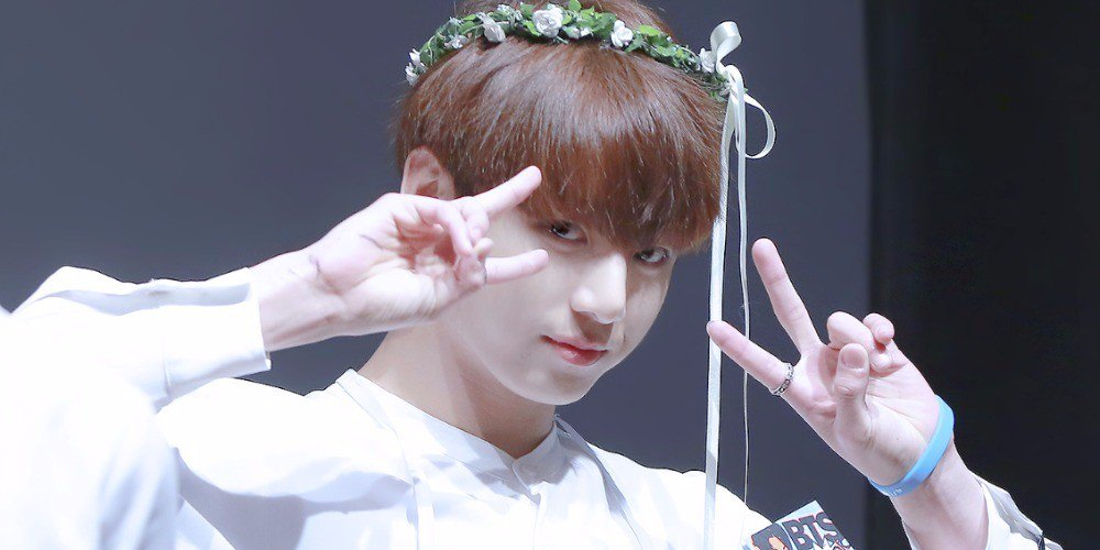 #HappyJungkookDay trends #1 worldwide for #BTS' Jungkook's birthday! https://t.co/KzFt5uvInj https://t.co/GxoRStJNra