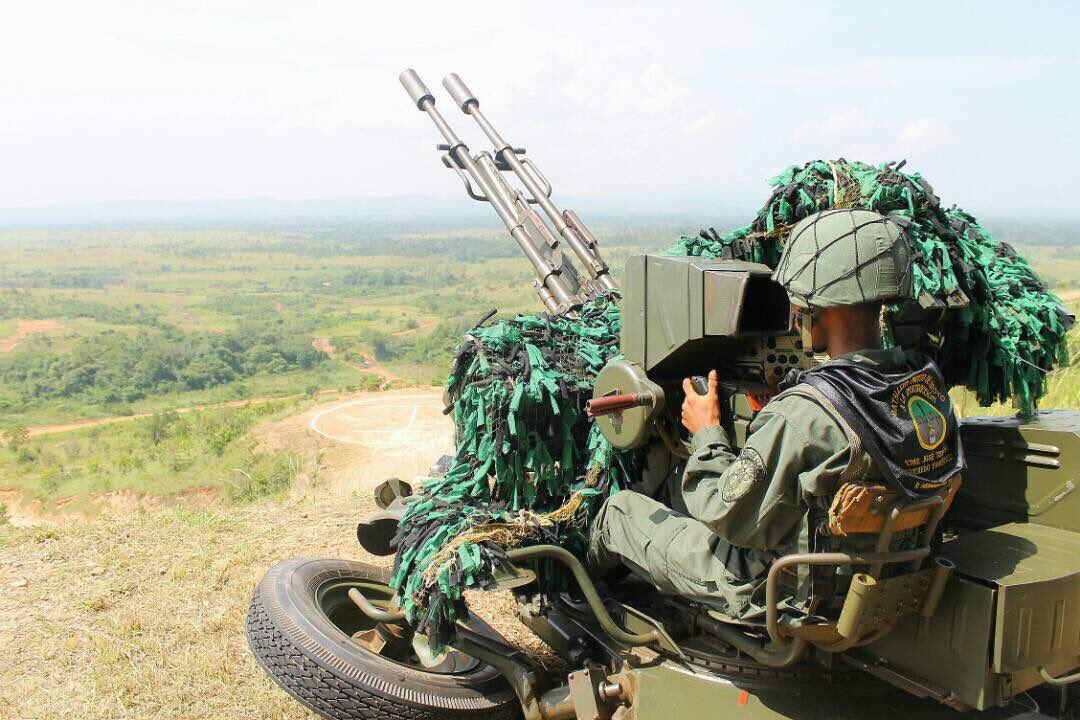 Piezas ZU-23-2/2A13 (ZU-23/ZOM-1-4) de 23mm DIlholGXcAAS3nk