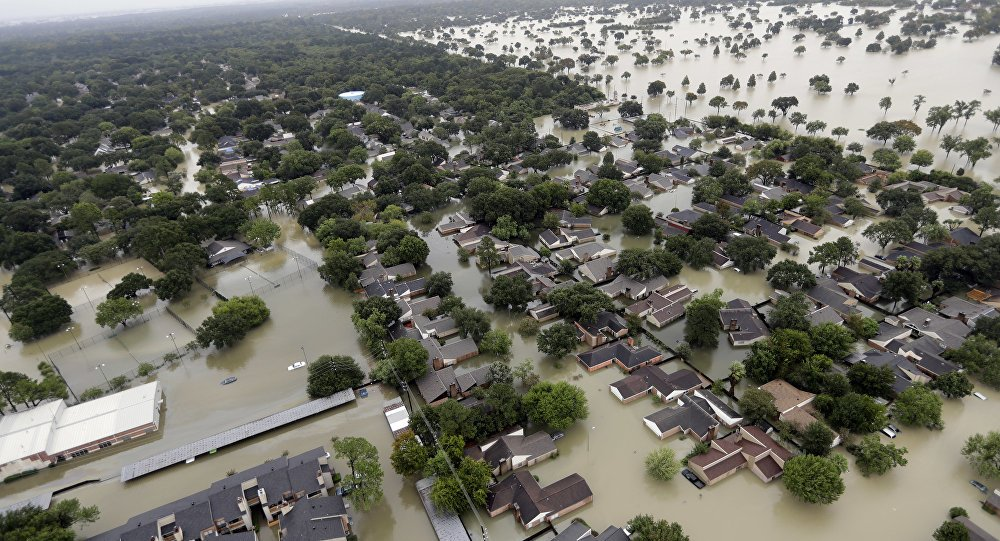 Trump promete doar US$ 1 milhão do próprio bolso para vítimas do Harvey. https://t.co/cuGFTy1P5x