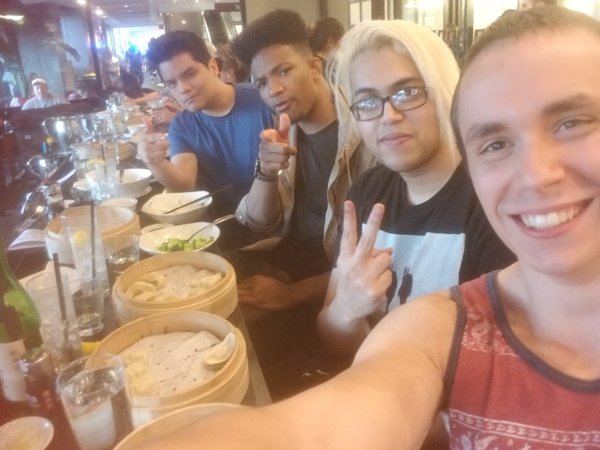 Dinner @ PAX @3rdMarioBrother  @EtikaWNetwork @GCPM11 https://t.co/YhBL0Vv5UM