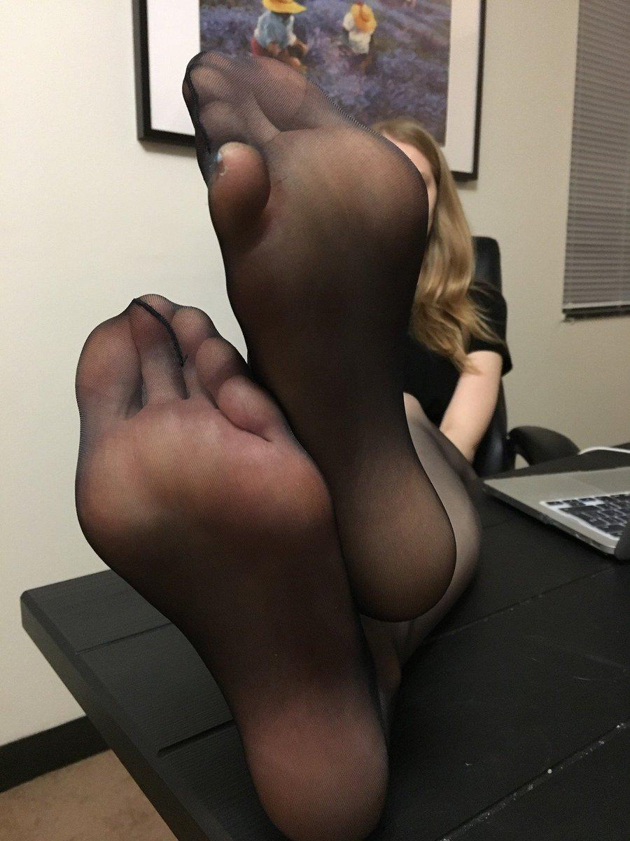 Feet soles pantyhose