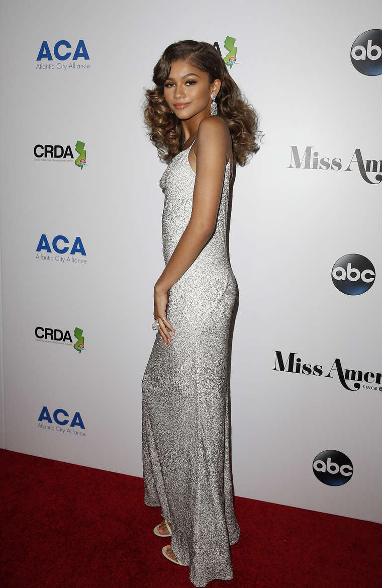 Happy Birthday to Zendaya who turns 21 today!
