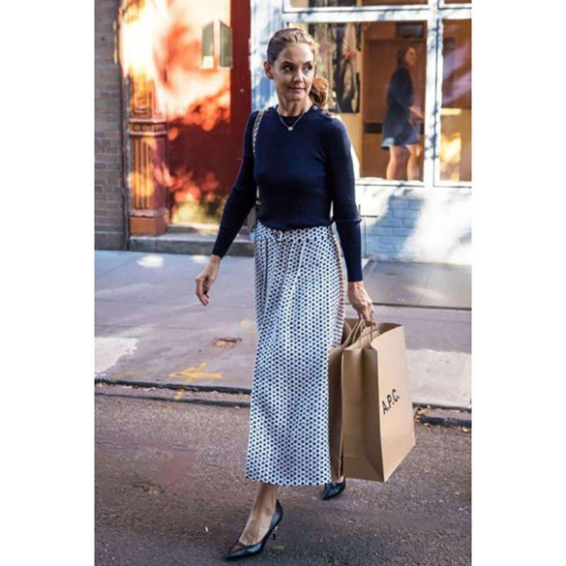 Celebrity Looks for Less: Katie Holmes Rocks the Perfect Midi Skirt! #celebritystyle… https://t.co/b2tTtwlWF2 https://t.co/LRHYWJfMXz
