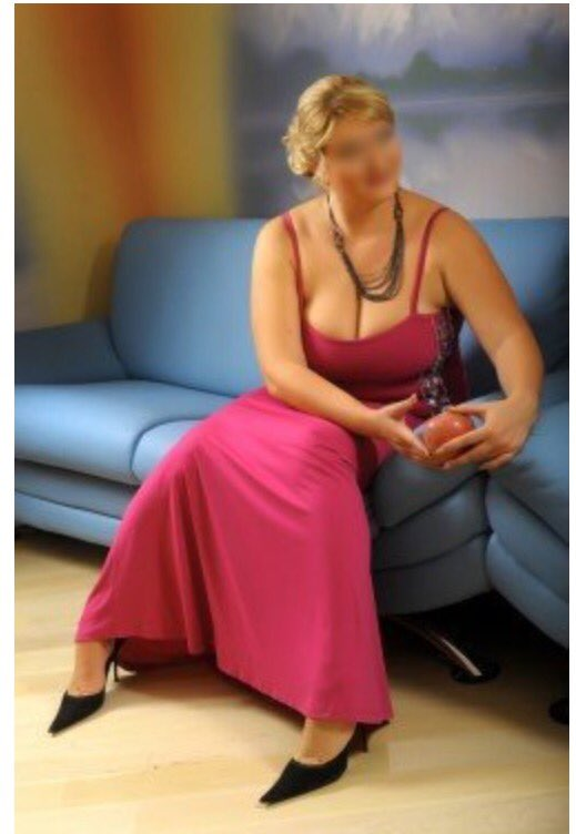 #Dutch affair-Treat yourself to a warm oil #massage, naughty #encounter  #sensualmassage http://serenitynoir.com #kent #bbw #body2body  #loverpic.twitter.com/ ...