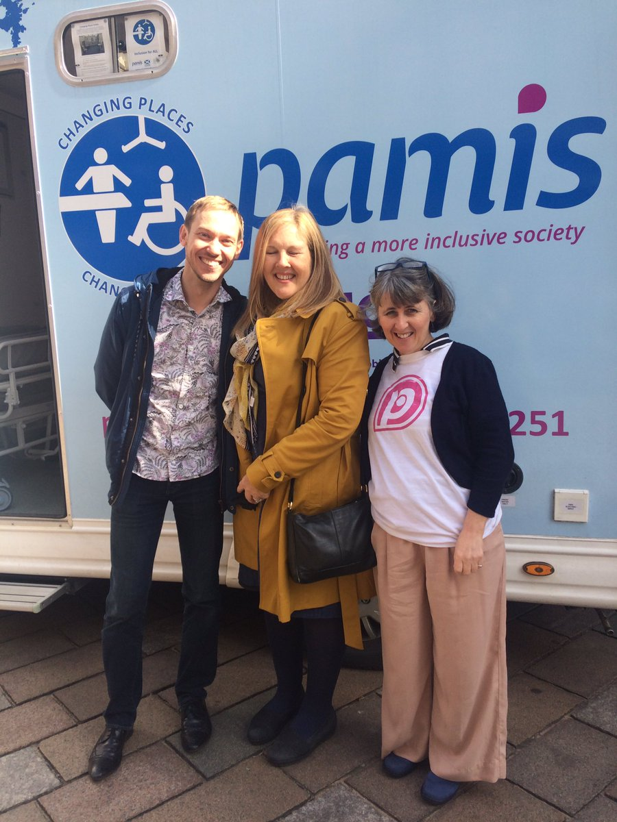 @Elaine_Figgins of @nhseducation @NESnmahp came to visit our @pamiloocp thanks for your support! #accessibility #inclusion #pamis <br>http://pic.twitter.com/9PYnWWMqg6