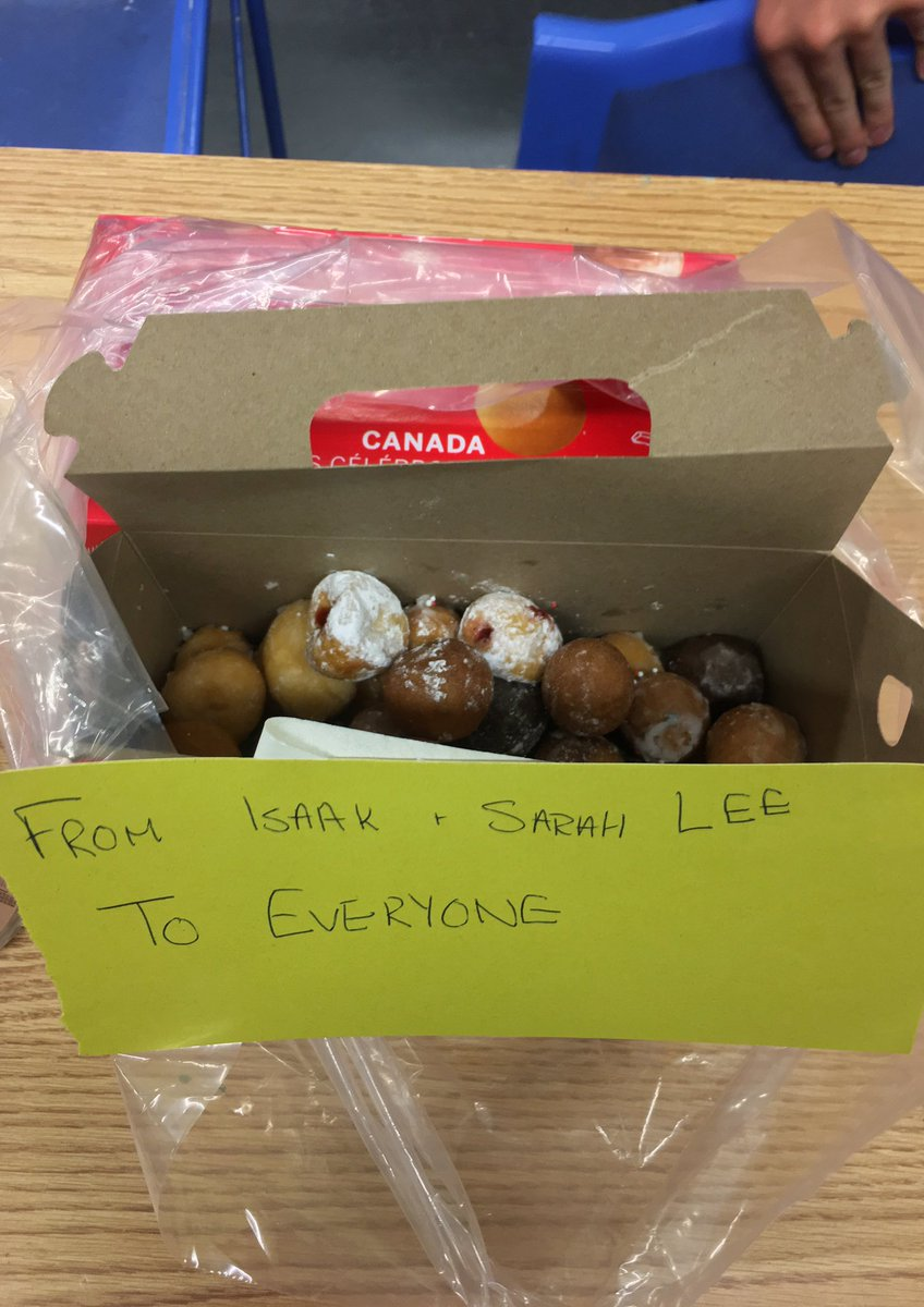 When the kids bring you timbits on the last day of camp.  Sarah Lee:every1 gets 1!But you can have 2 cos you&#39;re the principal. #summerclub75 <br>http://pic.twitter.com/X2RaPjJeaO